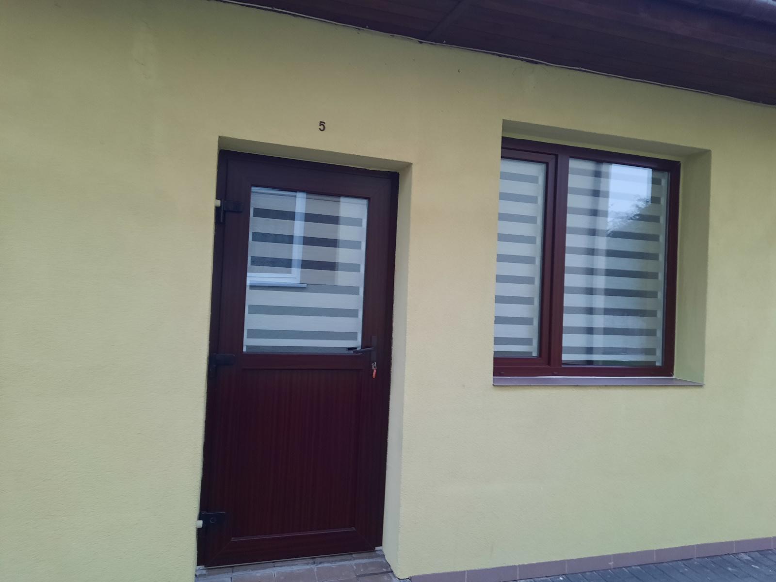 Studio 5 - wejście